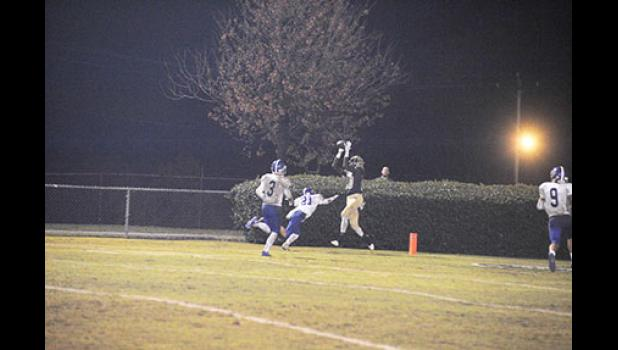 The Yellow Jackets scored four times in the first quarter against Pickens last Friday, advancing to the second round of the Class AAAA state playoffs.